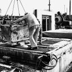 Arbeiter auf der Baustelle Nachweis: IRS Erkner, Wissenschaftliche Sammlungen, D_1_17_25_9, Foto: Schmidt